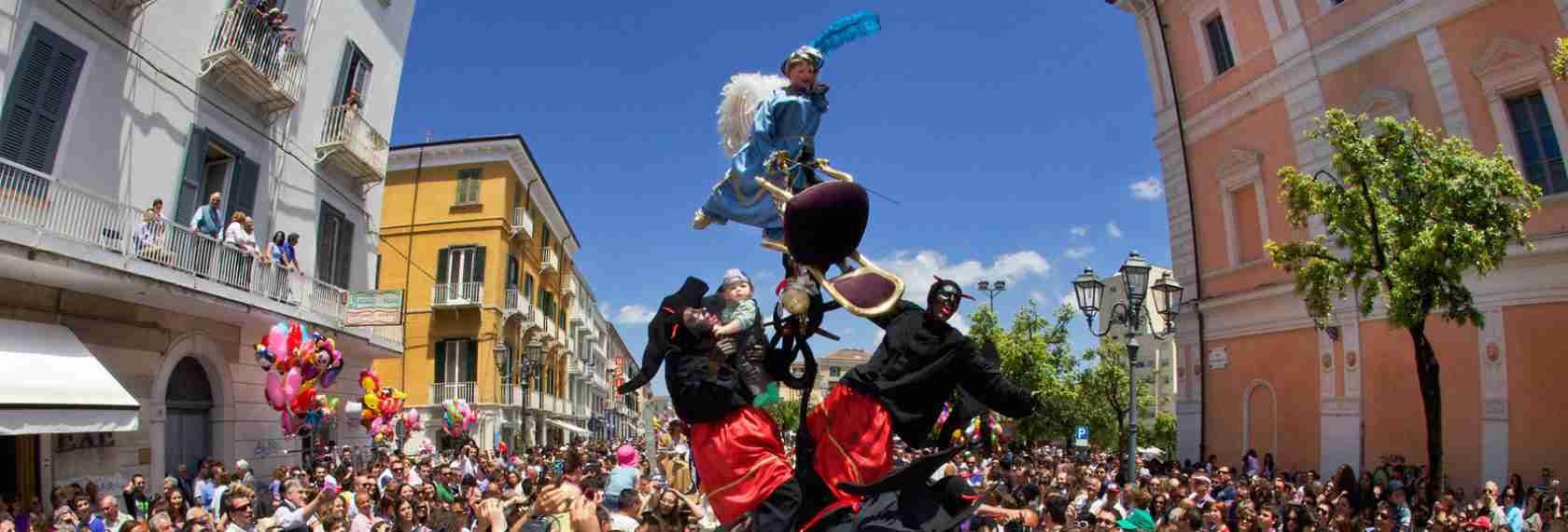 Il Festival dei Misteri di Campobasso piace moltissimo anche alle escort di Campobasso. Magica Escort.