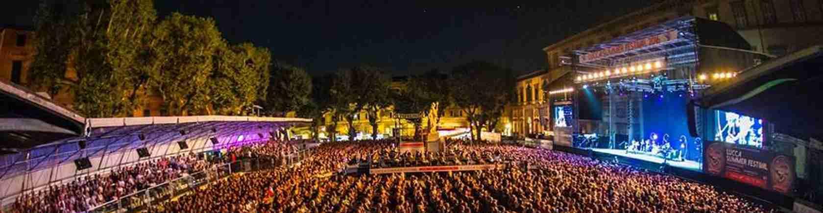 Le escort di Lucca si divertono fino a notte fonda al Lucca Summer Festiva. Magica Escort