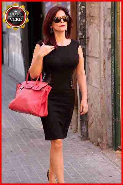 La signora Laura a passeggio tra le vie di Roma. Magica Escort